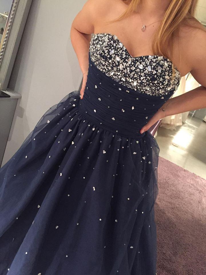 fest kjole til 11 åring