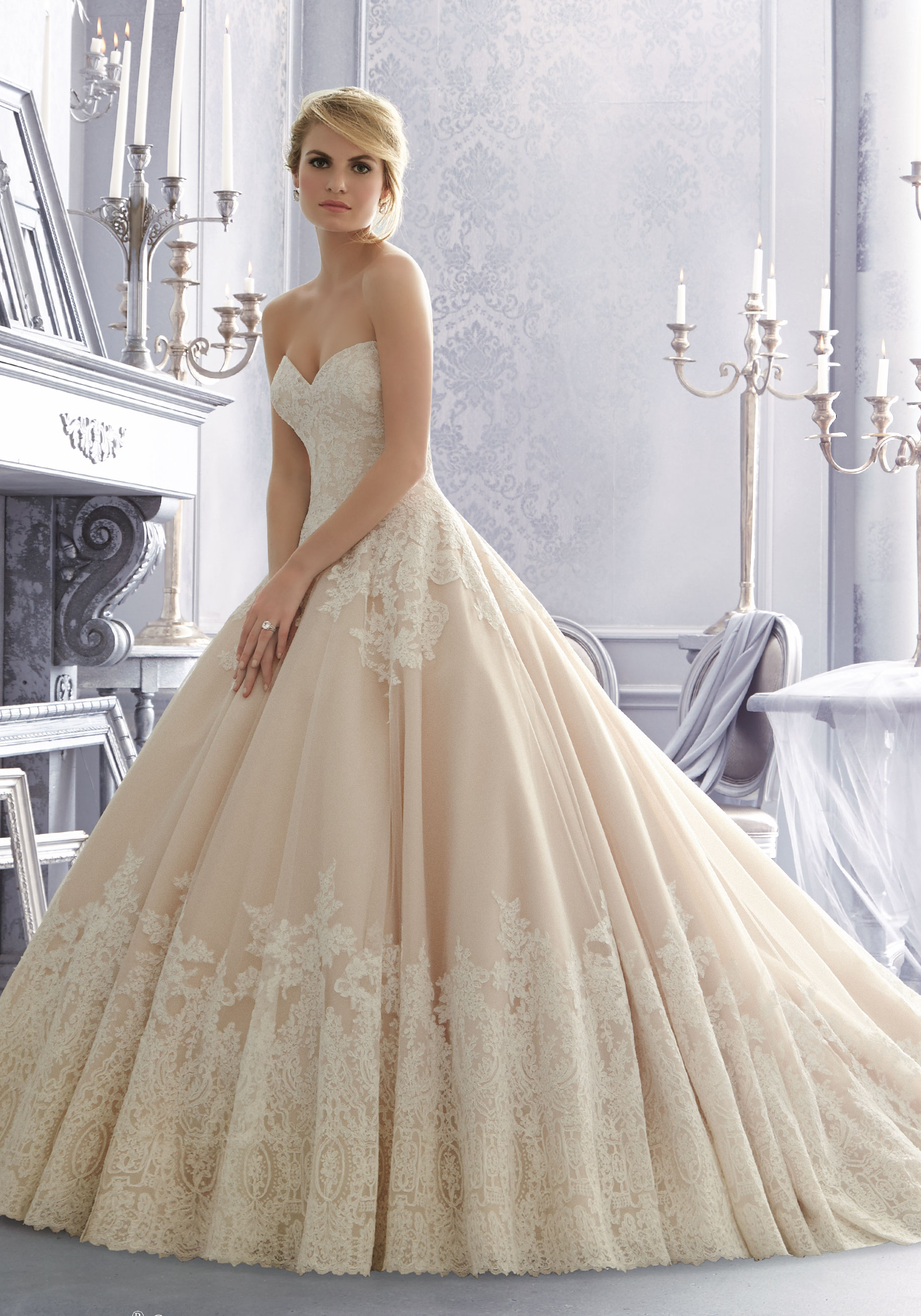 Kort kjole som hovedkjole eller kjole nr 2? Christiane